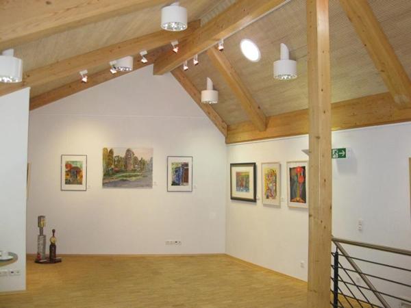 Ausstellung mit Gemälden von Topperzer