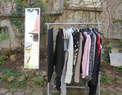 die offene Kleiderstange